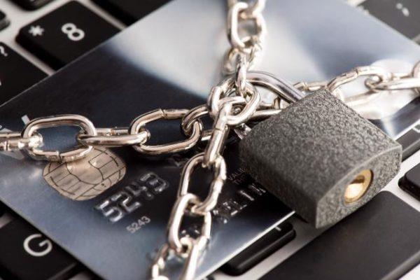 クレジットカードが利用停止二なるケース